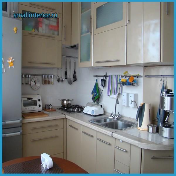 угловые кухни в брежневке фото