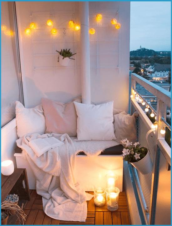 Летняя спальня на открытом балконе