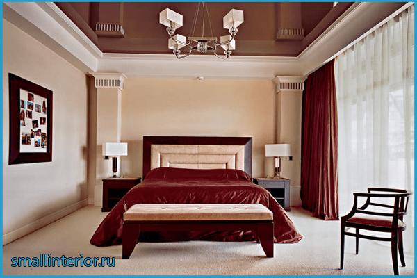 Натяжной потолок в коричневой спальне