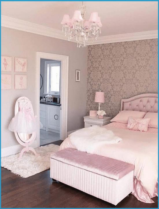 Оформление потолка в нежно-розовой спальне