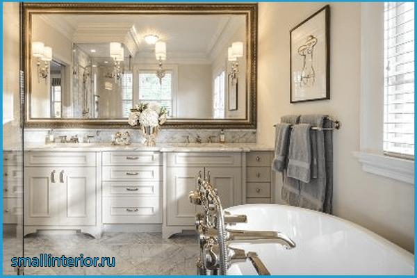 Ванная в классическом стиле с плиткой под мрамор