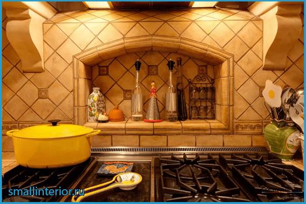 Кухня с нишей в стене